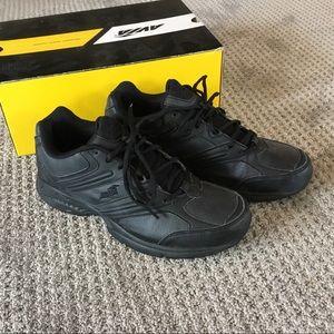 Avia black safety shoe size 9